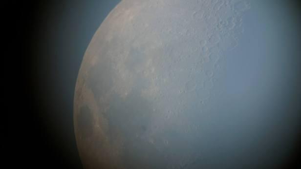 moon-at-dunes